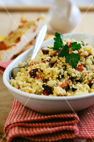 Couscous with dried tomatoes, peppers and courgette