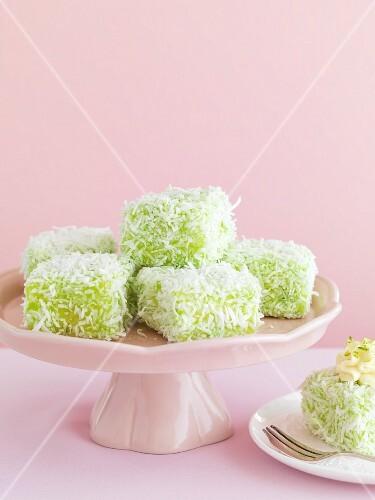 Lime lamingtons