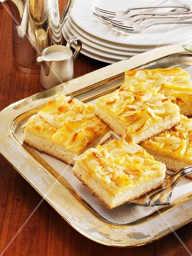 Apple and almond cheesecake