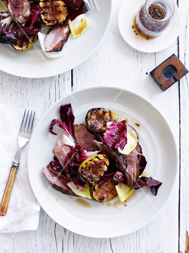 Duck meat with grilled red endive and granadillas