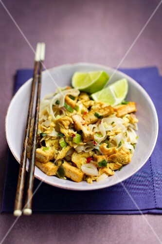 Rice noodles with tofu and limes