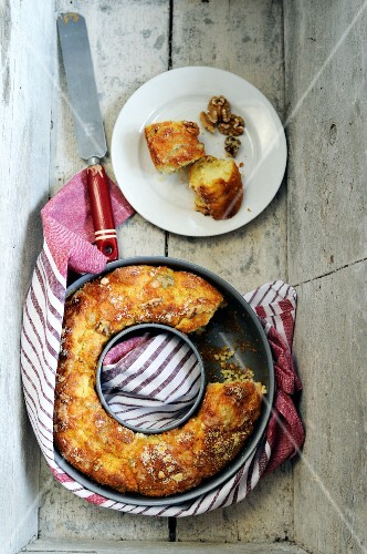 Savoury ring cake with walnuts and gorgonzola cheese