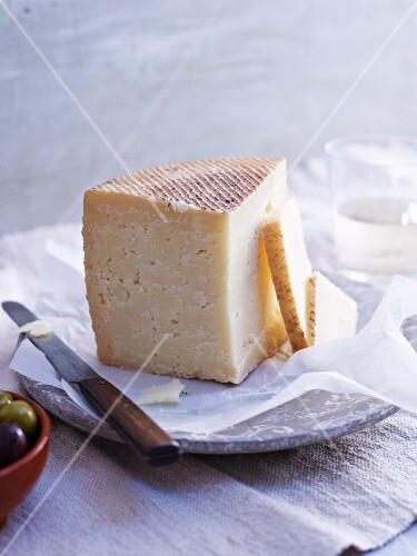 Cantero de Letur (Spanish sheep's cheese)
