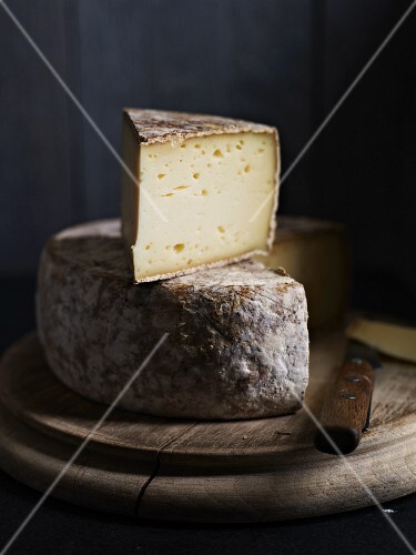 Tomme De Savoie (French cheese)