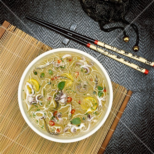 Oriental squid soup