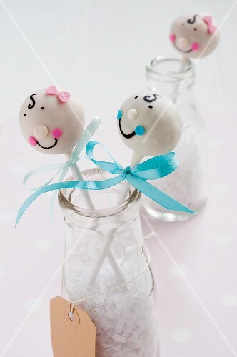 White Cake Pops with faces