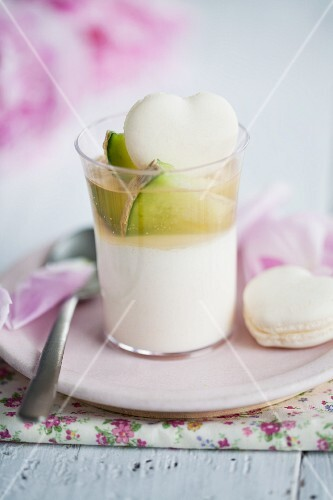Melon mousse with a macaroon heart