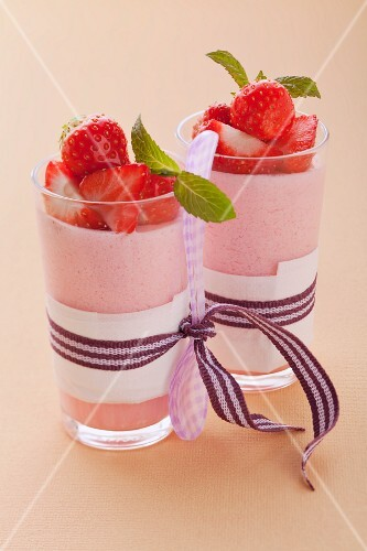 Rhubarb and strawberry mousse with mint