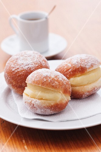 Doughnuts filled with vanilla cream