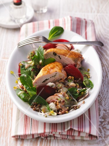 Mixed leaf salad with guinea fowl