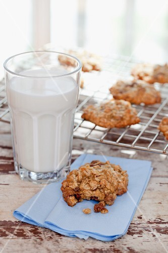 Haferplätzchen und eine Glas Milch