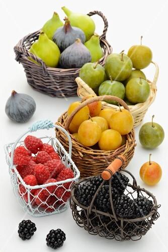 Fresh figs, mirabelles, greengages, raspberries and blackberries