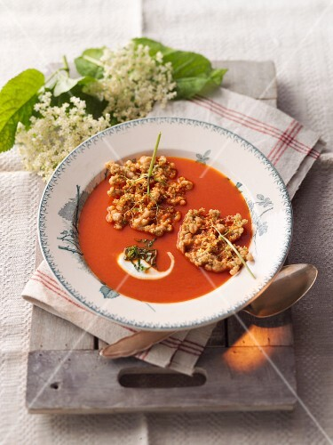 Apple and tomato soup with elderflower cakes