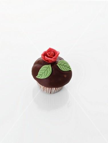 Cupcake with marzipan rose