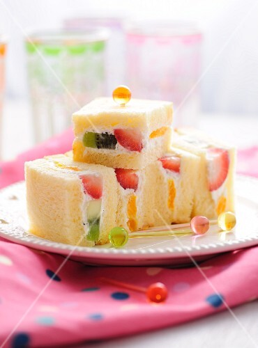 Fruit sandwiches for children