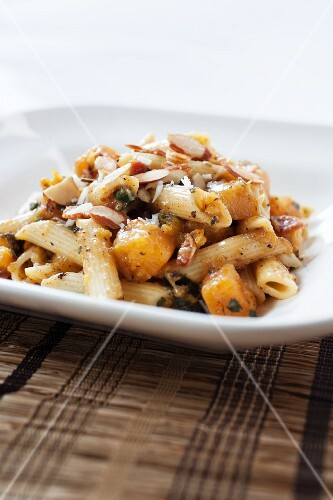 Penne Pasta with Butternut Squash and Almonds