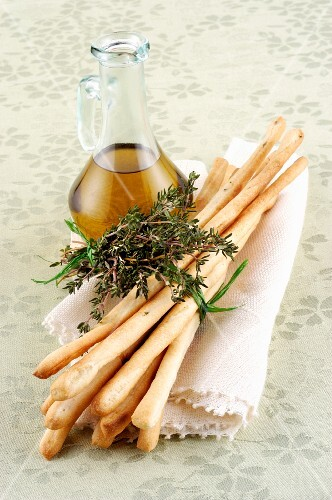 Grissini with thyme and olive oil