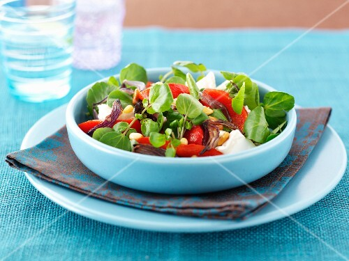 Pepper salad with goat's cheese