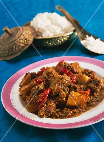 Vindaloo with potatoes and chilli peppers (India)