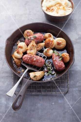 Salsiccia with onions and pears