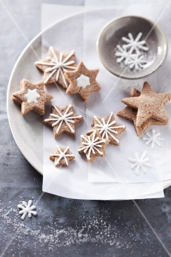 A plate of cinnamon stars