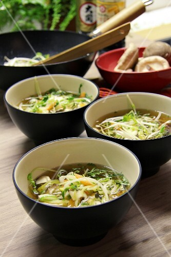 Szechuan soup with ginger, chilli, shiitake mushrooms, lemongrass, leek and carrots (China)