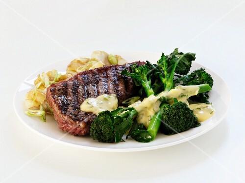 Beef steak with broccoli and leek sauce
