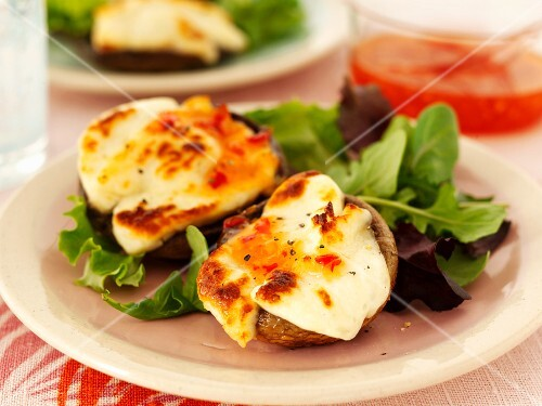 Mushrooms filled with cheese and chilli sauce