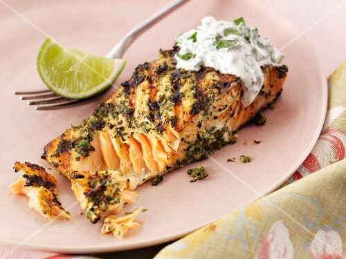 Salmon fillet with herb sauce (Thailand)