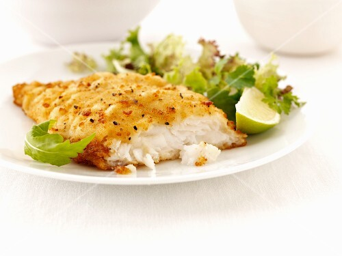 Breaded haddock with a mixed leaf salad