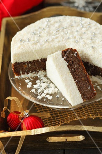 Poppy seed cake with coconut mousse for Christmas