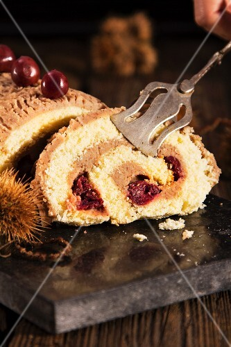 Swiss roll with chestnut cream
