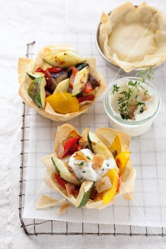 Grilled vegetables in puff pastry dishes