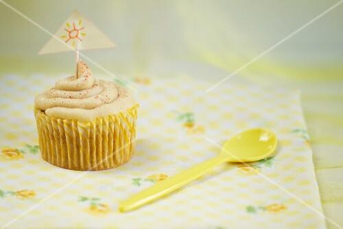 A vanilla cupcake