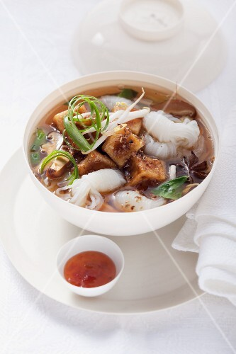 Rise noodle soup with tofu and vegetables