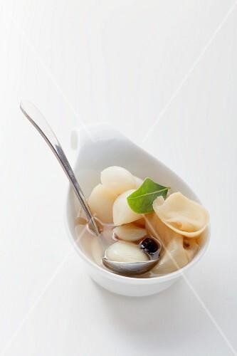 Marinated garlic with ginger