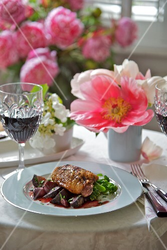 Chicken with beetroot