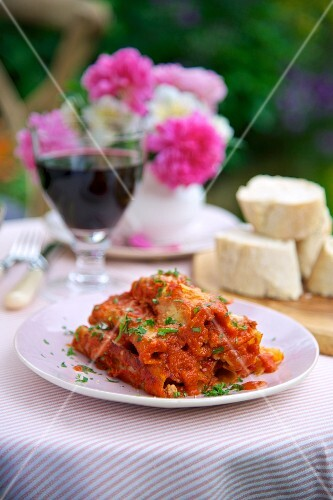 Cannelloni with meat filling