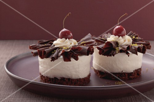 Individual Black Forest-style gateaux