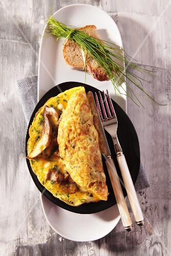 An omelette with fresh porcini mushrooms