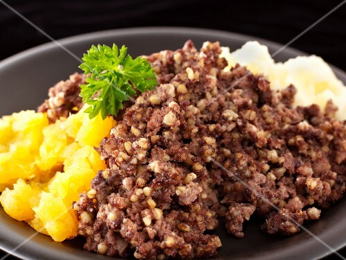 Haggis with mashed potato (Scotland)