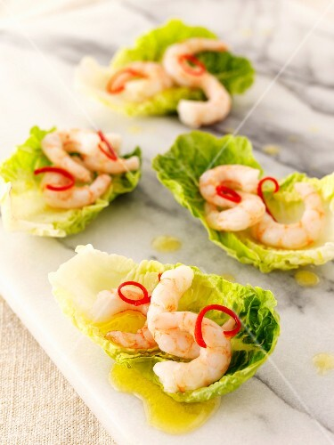 King prawns and chilli in lettuce leaves
