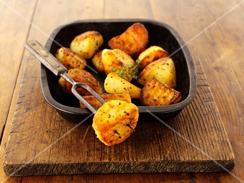 Aromatic roast potatoes