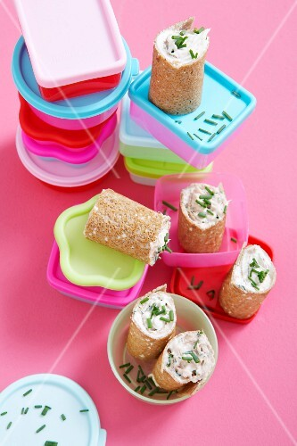 Pancake rolls filled with tuna, cream cheese and chives