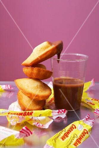 Madeleines with caramel sauce