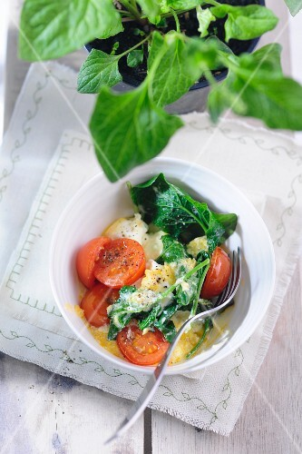 Good King Henry (Lincolnshire spinach) with ricotta and tomatoes