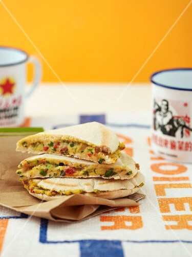 Stuffed pita bread with vegetables