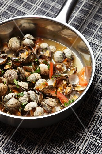 Marinated heart mussels