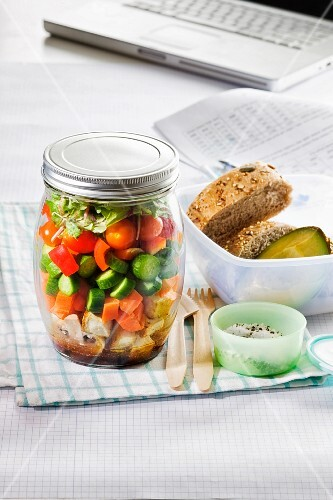 Vegetable salad with bread for the office