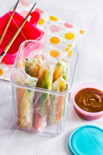 On the go: spring rolls with chicken, sweet potatoes and tahini
